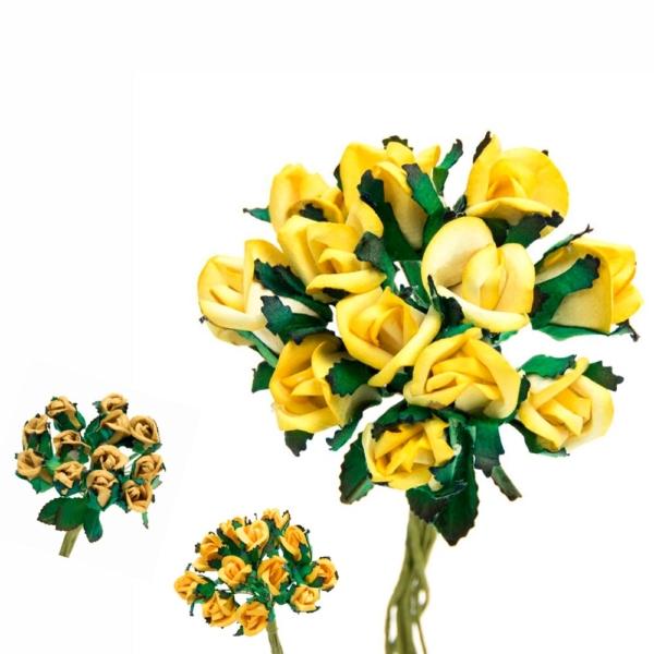 Ramillete Rosebud, elaborado con flores realizadas en papel,