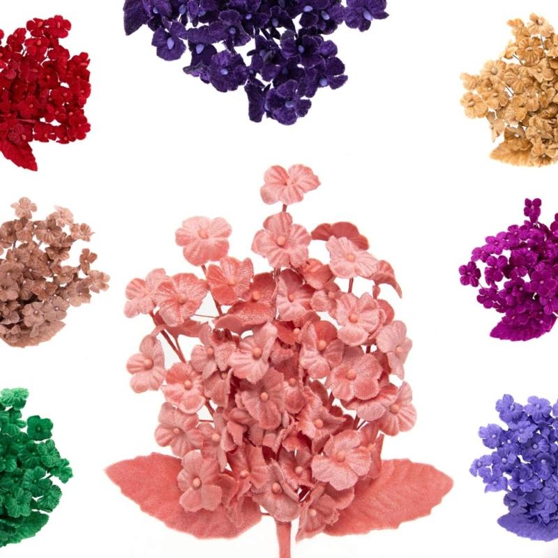 Flor Flavia 6 ramas, realizada en terciopelo