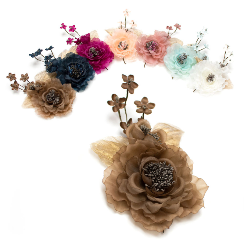 Flor Rocio, realizada en organza y raso con pistilos