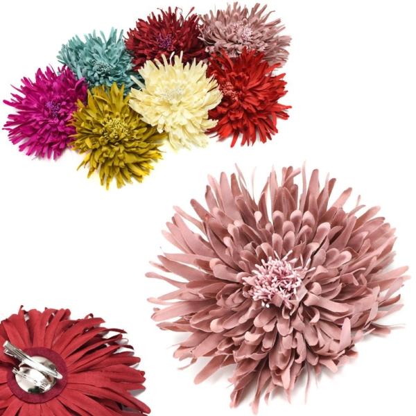 Flor arinya, de tela con pistilos, broche y pinza.