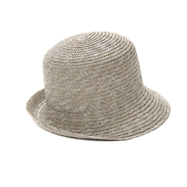 Sombrero Cloche, en color gris claro